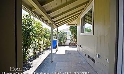 Building, 443 Maluniu Ave, 2