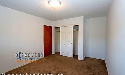 Bedroom, 389 Somerset Rd, 2
