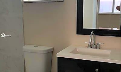 Bathroom, 1736 SW 3rd St 3, 2