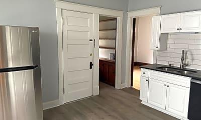 Bedroom, 3161 N Buffum St, 1