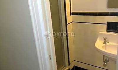 Bathroom, 150 Burns St, 1