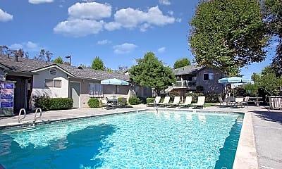 Pool, Amberwood, 0