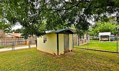 Building, 2533 Bennett Dr, 2