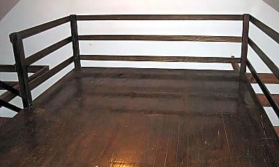 Patio / Deck, 531 E Gordon St, 2