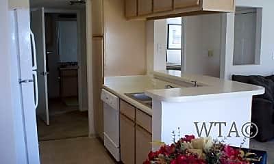 Kitchen, 403 Heimer Rd, 1