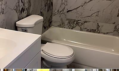 Bathroom, 5130 N 11th St, 2