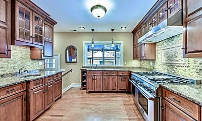 Kitchen, 1147 Forest Ave, 1