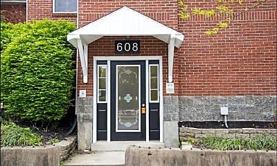 Kitchen, 608 E Spring St, 2