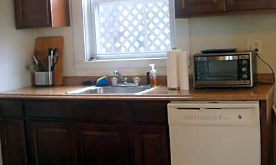 Kitchen, 77 Walnut St, 2