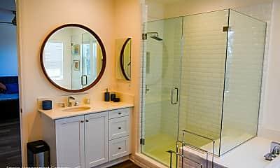 Bathroom, 400 Chickasaw St, 2