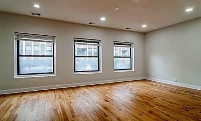 Living Room, 4022 N Milwaukee Ave 2, 1