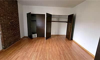 Bedroom, 5807 Bartlett St 6, 1