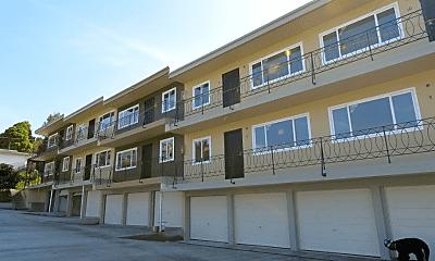 Building, 21303 Oak St, 0