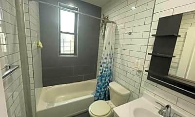 Bathroom, 2833 Briggs Ave, 2