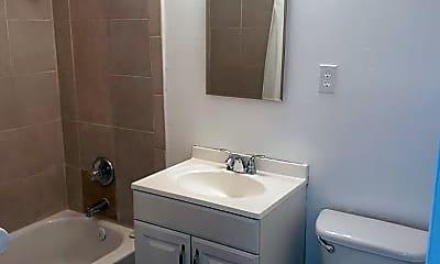 Bathroom, 417 Harrison Ave, 2