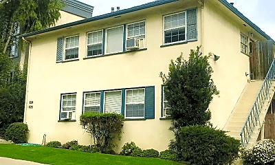 Building, 624 Veteran Ave, 1