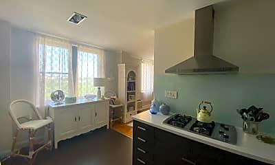 Kitchen, 2601 Pennsylvania Ave 626, 1