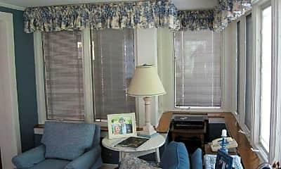 Living Room, 134 N Elmwood Ave, 2