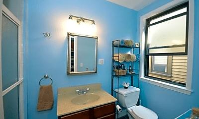 Bathroom, 40 Rockview St, 2