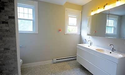 Bathroom, 108 Ferris Pl, 2