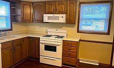 Kitchen, 343 Beverly Hills Dr, 1