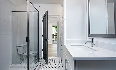 Bathroom, 403 Pratt Dr 1010, 2