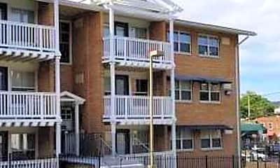 Building, 2607 Douglass Pl SE 403, 0