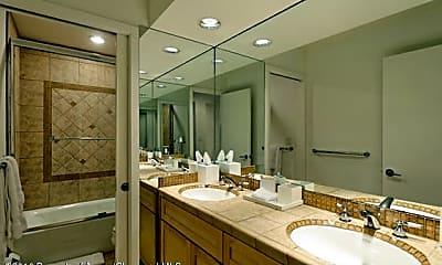 Bathroom, 55 Overlook Dr, 1