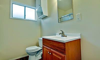 Bathroom, Glen Haven Apartments, 2