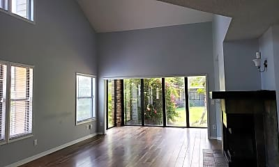 Living Room, 7246 Della Dr, 1