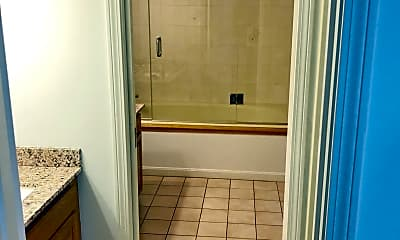 Bathroom, 53 S Walnut St, 1