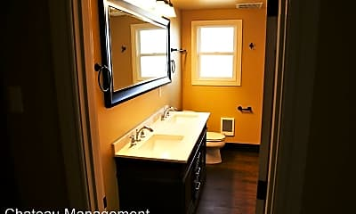 Bathroom, 685 SE Vera Ave, 0