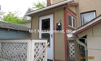 Building, 1122 S Walnut St, 1