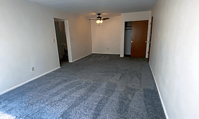 Living Room, 505 28th Ave N, 1