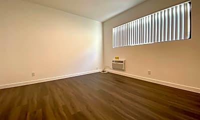 Living Room, 6666 Yucca St, 2