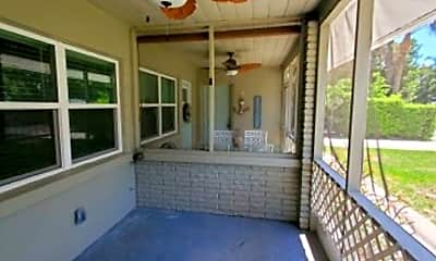 Patio / Deck, 214 15th Ave W, 1