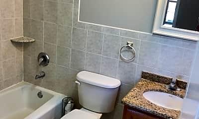Bathroom, 305 N 12th St, 2