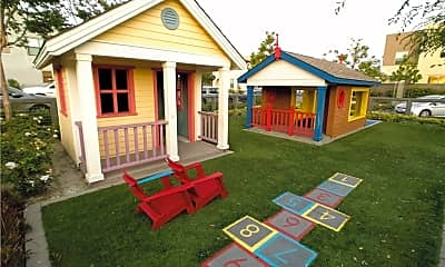 Playground, 17 Patria, 2