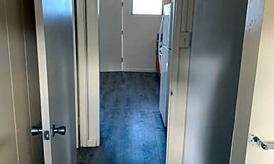 Bathroom, 1433 Pensacola St, 2