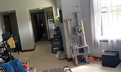 Living Room, 1112 Sheffield St, 1