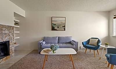 Living Room, 2717 Glenwood Dr, 1