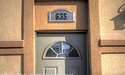 635 27th St, 1