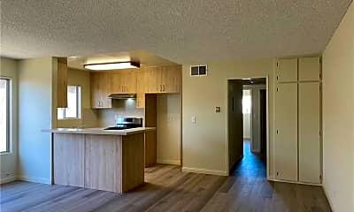 Living Room, 802 Monterey Blvd, 2