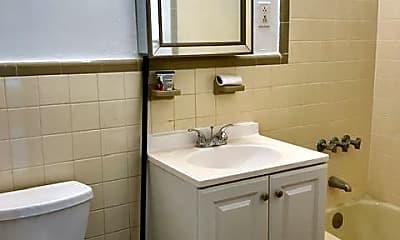 Bathroom, 1492 2nd Ave, 2