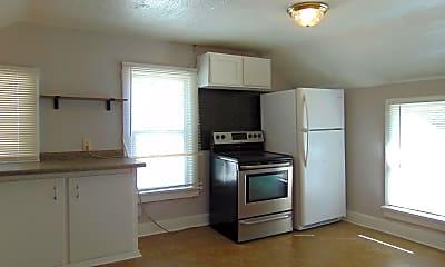 Kitchen, 820 W Packard St, 1