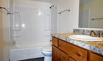 Bathroom, 801 W Villard St, 2
