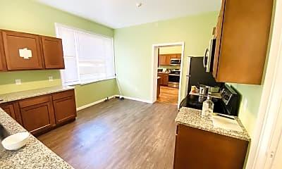 Living Room, 45 Oak St, 1