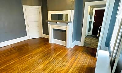 Living Room, 913 5th St SW, 1