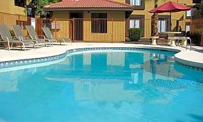 Torrey Pines Villas, 1