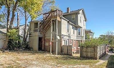 Building, 4416 Terrace St, 2